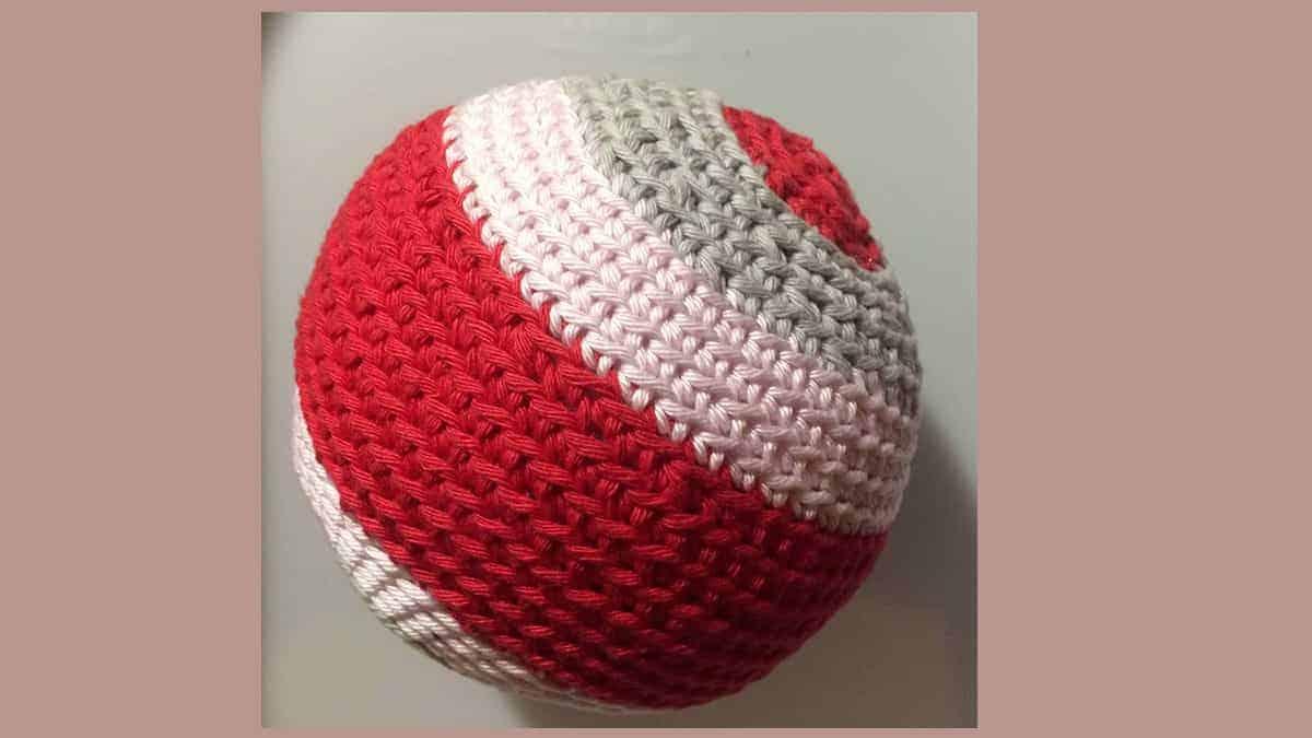 Gratis haakpatroon voor een babybal van mrsdejong