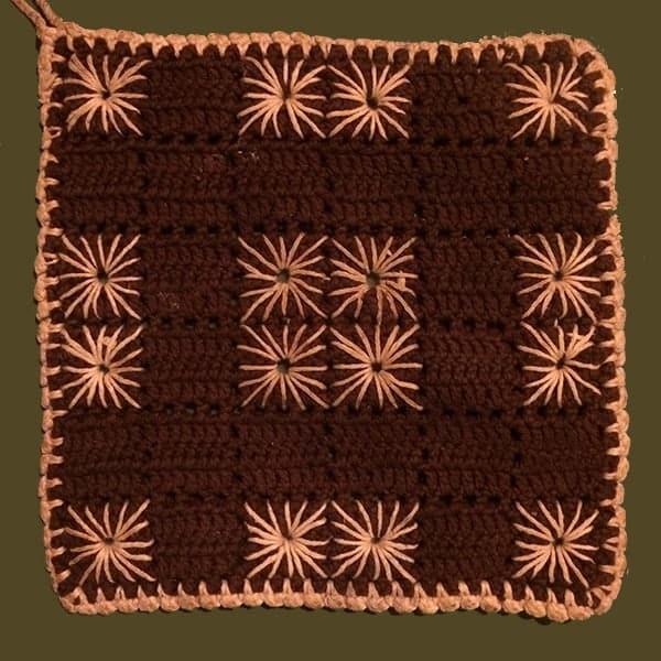 Gehaakte retro pannenlap, het origineel waar dit haakpatroon vanaf is gemaakt. Origineel ws van rond 1965