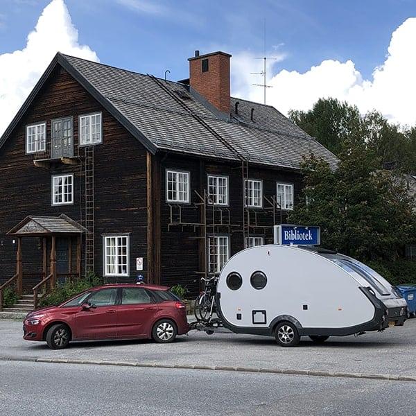Onze roadtrip door Europa bracht ons ook in Zweden, vlak voor de Bibliotek