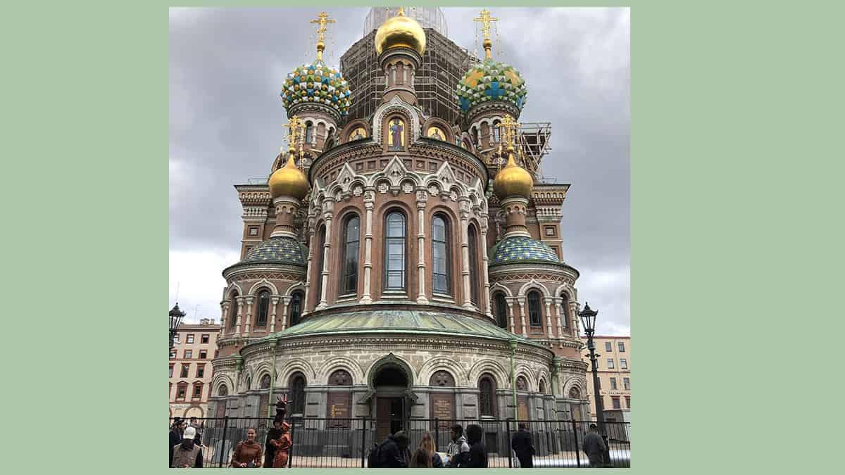 De kerk van de verlosser op het bloed in St.Petersburg