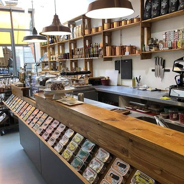 A Loja aan de Anegang 5 in Haarlem is een heerlijke Portugese Delicatessenzaak
