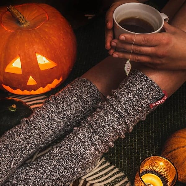 Halloweenviering met pompoen en sokken van Soxs