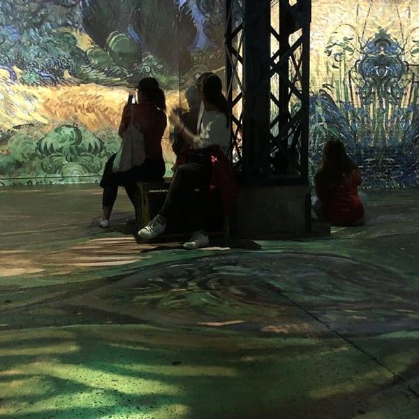 Het Atelier des Lumières is heel leuk als je in Parijs met kinderen bent.