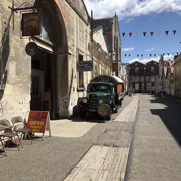 Historisch straatje in Oamura