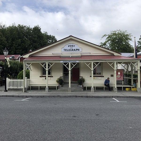 Postkantoor in Arrowtown tijdens onze camperreis door Nieuw Zeeland