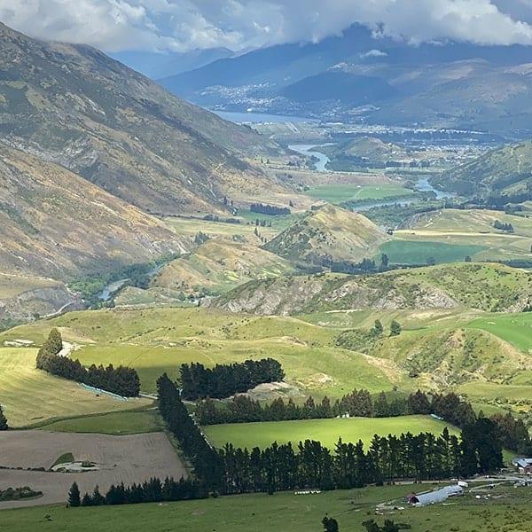 Prachtige landschappen tijdens onze camperreis door Nieuw Zeeland, zoals hier in Mount Aspiring Park