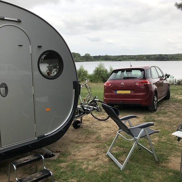 Het nut van muggen is in een caravan niet te vinden