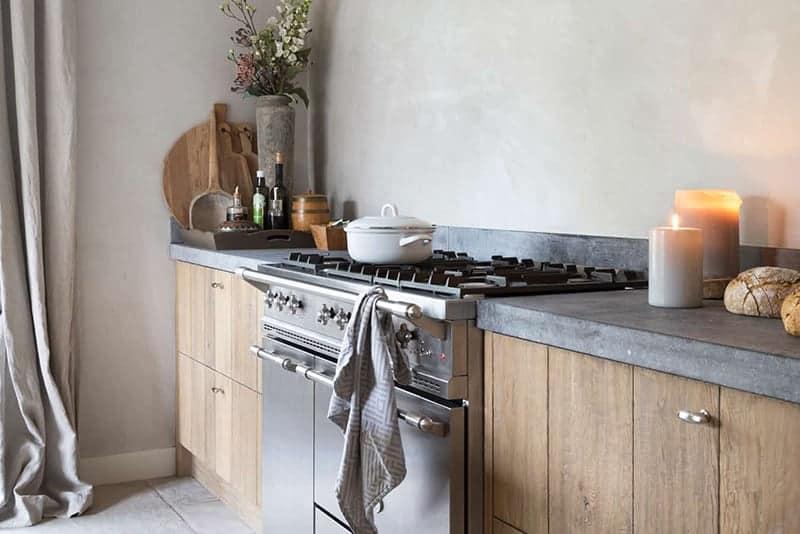 Een landelijke moderne stijl in de keuken