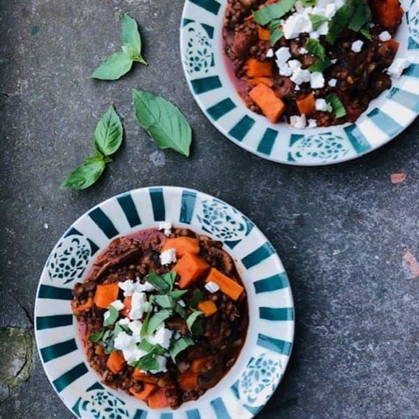 vegetarische recepten voor de herfst met linzen, zoete aardappel en champignons