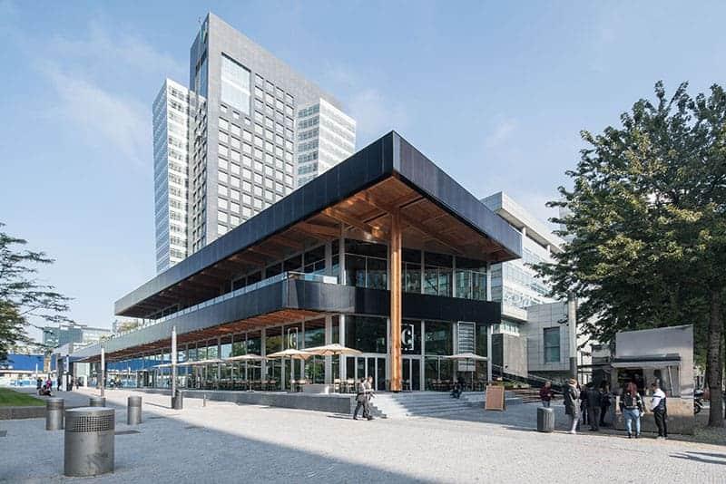 Architectuurwandeling over de ZuidAs in Amsterdam Zuid met Circl