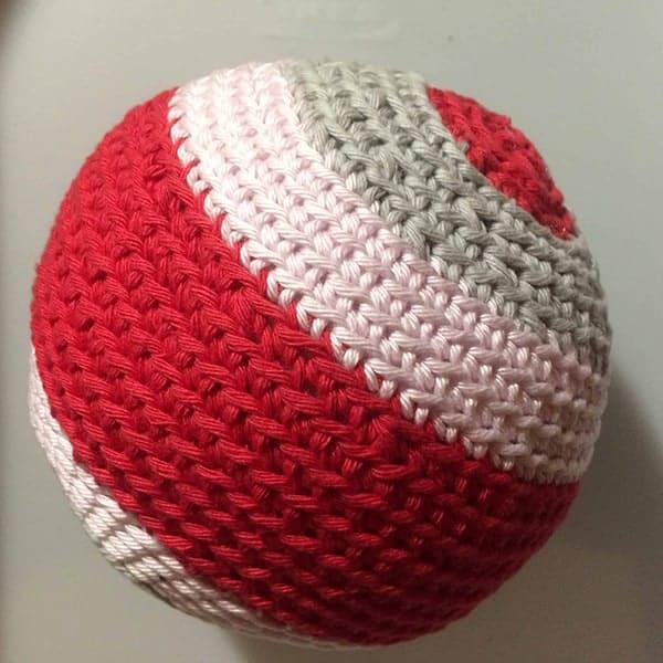 Gratis haakpatroon van een babybal van mrsdejong