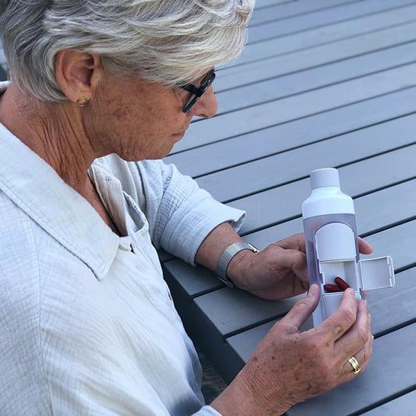 Voor als je elke dag medicijnen moet slikken is er nu de YOS-fles