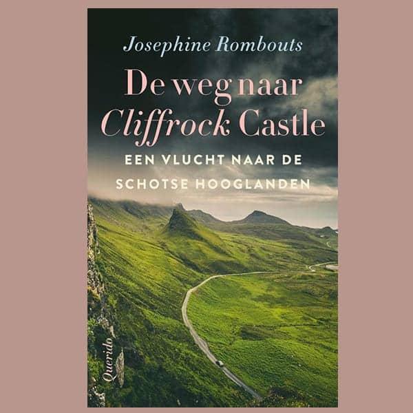 De weg naar Cliffrock Castle, een kasteel in Schotland