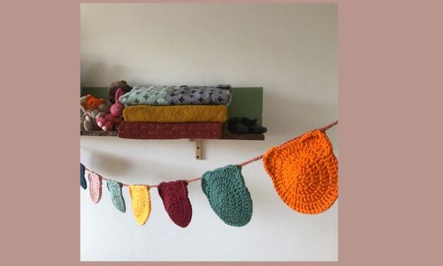 Slinger babykamer maken van vrolijke beertjes, gratis haakpatroon