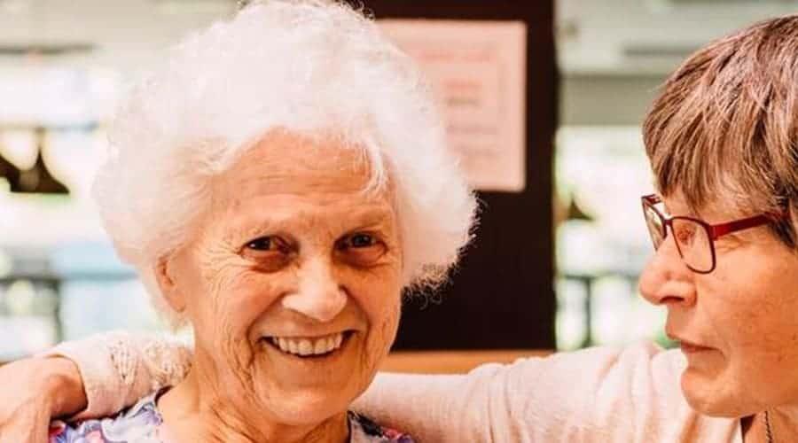 Eenzame ouderen en eenzaamheid; hoe los je het eenzaam voelen op?
